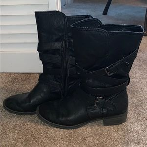 Report black leather boots